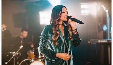 Débora Gama lança novo single e clipe - Fortaleza e Refúgio