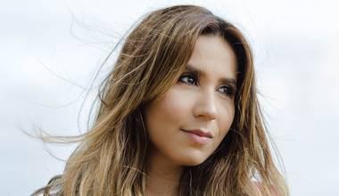 Deborah Coelho lança novo single - Me Amou Primeiro
