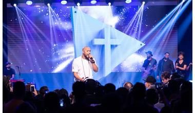 """Ton Carfi fala sobre o projeto """"Manhã com Deus"""" e o lançamento de mais uma canção do álbum Tríade"""