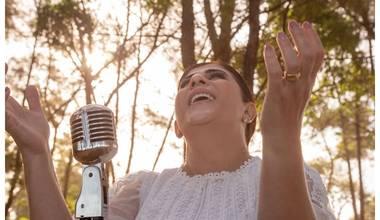 """Kátia Rosa, Aliança do Tabernáculo, lança """"Como na primeira vez"""", oração, avivamento e entrega"""
