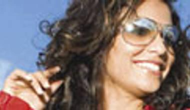 Aline Barros lança terceiro cd pela MK - Extraordinário amor de Deus