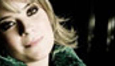 Confira o review do disco De todo o meu coração de Mariana Valadão
