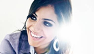 Gabriela Rocha lança novo disco pela Sony Music - Pra onde iremos? Confira o review