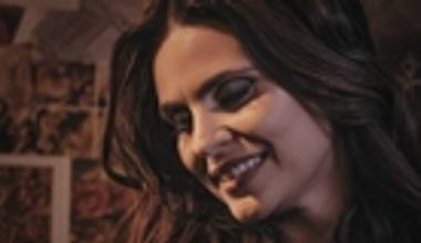 Ouvimos o novo álbum de Aline Barros - Viva. Confira nossa análise