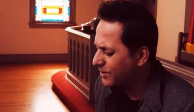 Joe Vasconcelos lança videoclipe em espanhol