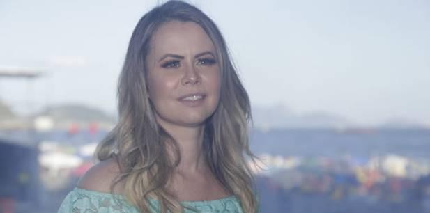 Anayle Sullivan se apresenta no Réveillon de Copacabana (RJ)
