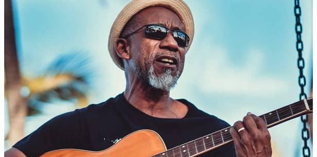 """O reggae de Rosário Negro em """"Dedo de Deus"""""""