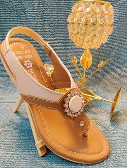 Humsafar footwear 209