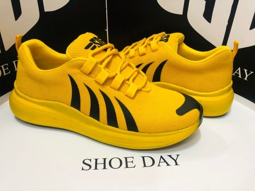 SHOE DAY-442