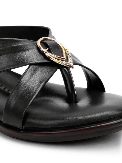 Shoe cloud-056