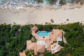 DAY O... Ultra Private Beachfront 3BR on Plum Baie