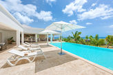 BAMBOO... Romantic 2 BR villa, equal master suites, very private, full AC