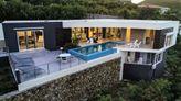 L'AGUA...Fabulous 3 BR contemporary villa with breathtaking views