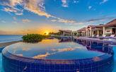 CASA DE LA PLAYA... Spectacular beachfront villa on beautiful Baie Longue beach, chef included!