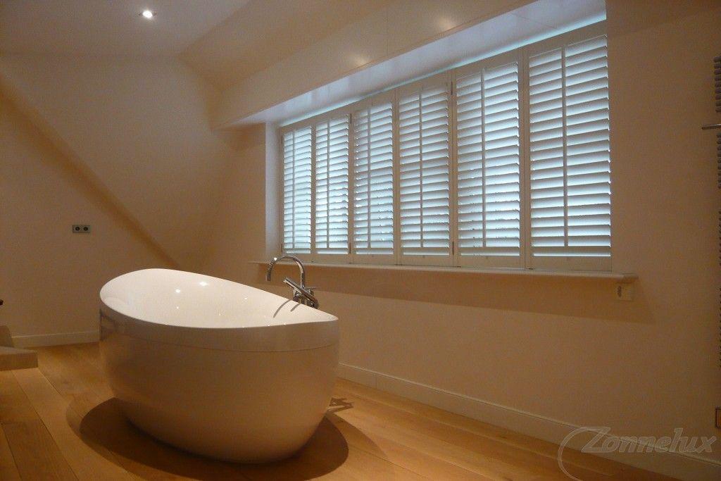 Shutters en houten jaloezieën in je badkamer shutterkoning
