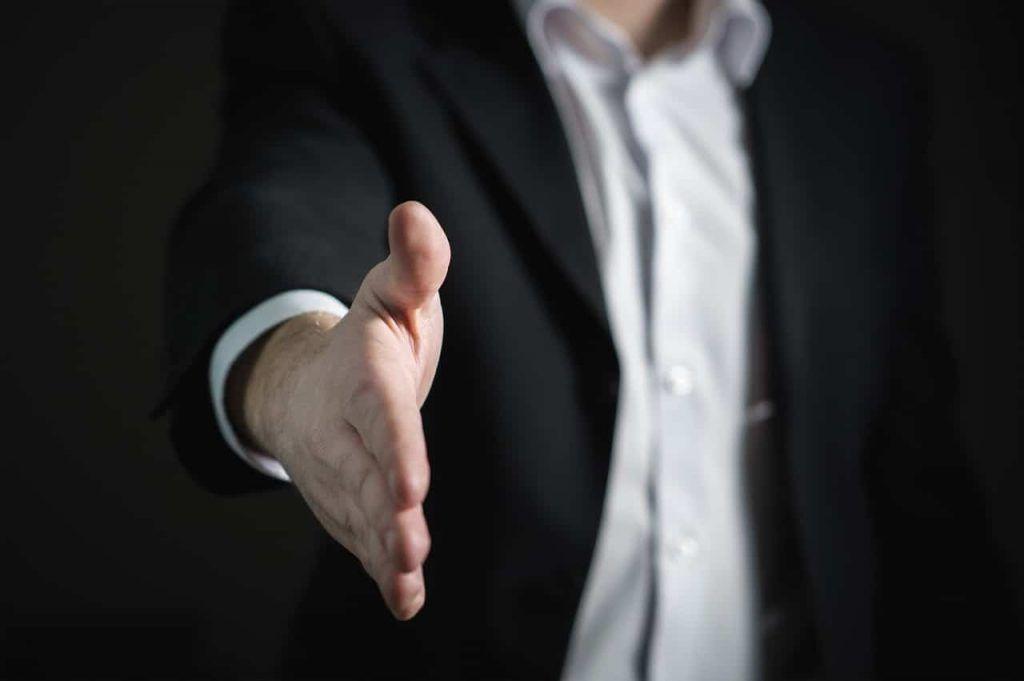 Berkenalan dalam forum bisnis