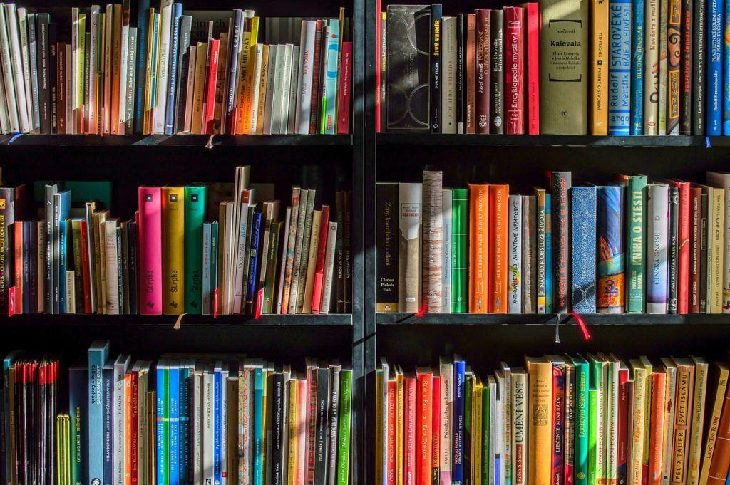 Review Buku: Ken dan Kaskus Alberthiene Endah
