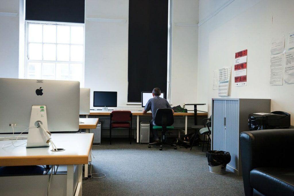 Lulus kuliah ingin jadi karyawan tetap?