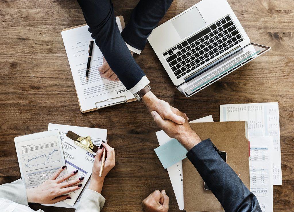 Hal yang Perlu dipertimbangkan sebelum Membuat Kemitraan Bisnis dengan Orang Lain