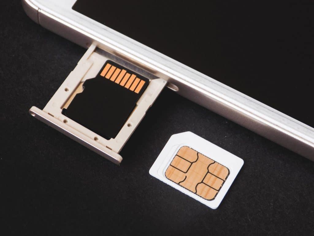 Cek nomor telkomsel simpati, loop, as, dan kartu hallo sendiri melalui HP