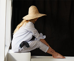 Budd Women's Pyjamas in Linen Blue Stripe