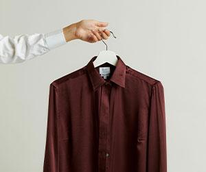 Budd Women's Satin Silk Shirt in New Claret