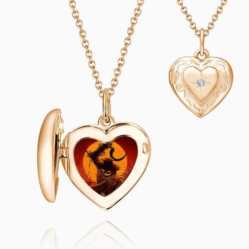 d763fc9a78be Halloween Collar de Medallón Corazón con Impresión en Relieve Chapado en  Oro Rosa