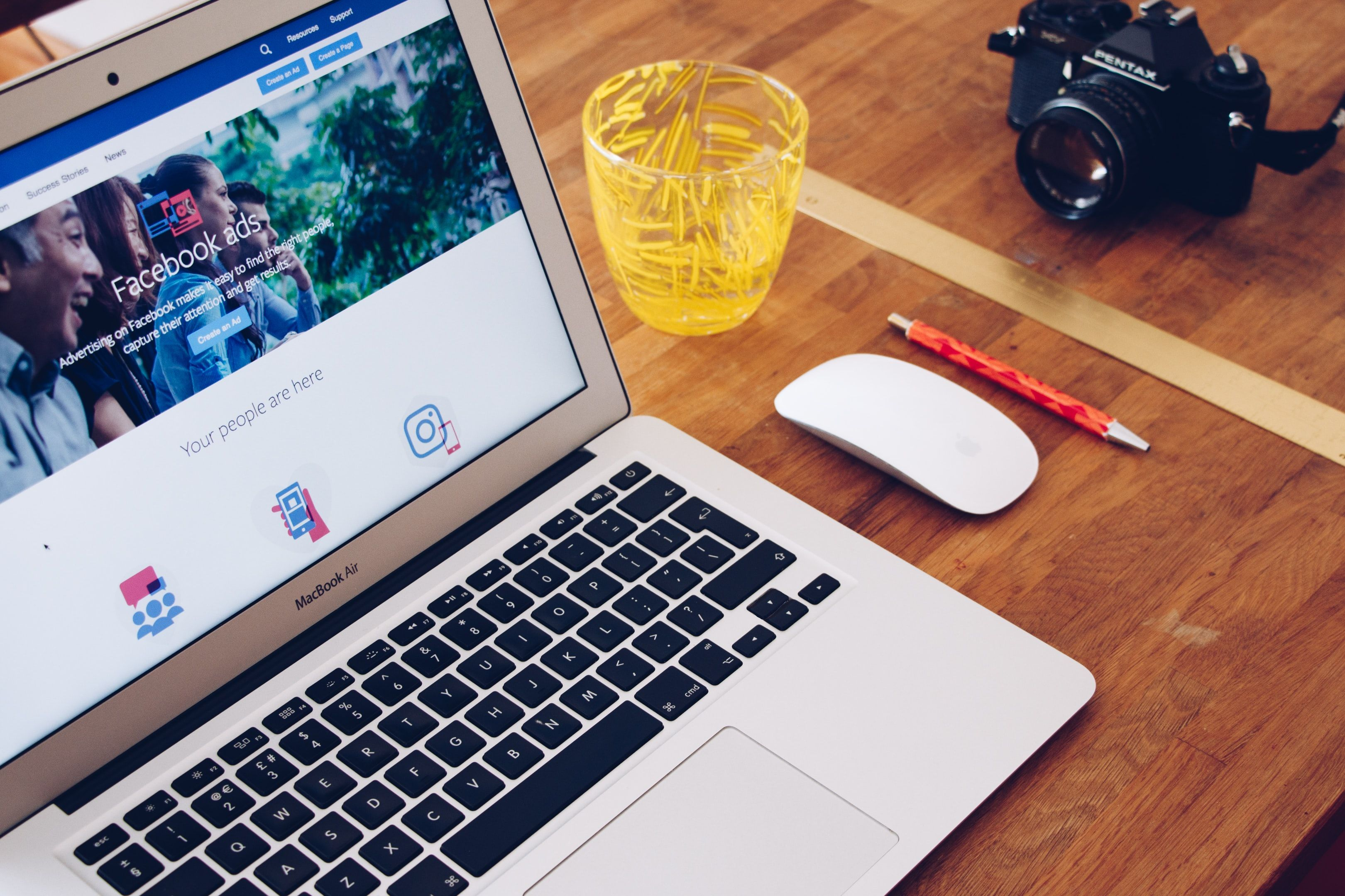 Creating Facebook SMM content with free SMM tools