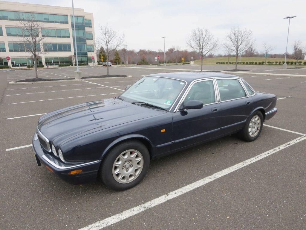 2002 Jaguar XJ8 – needs repair