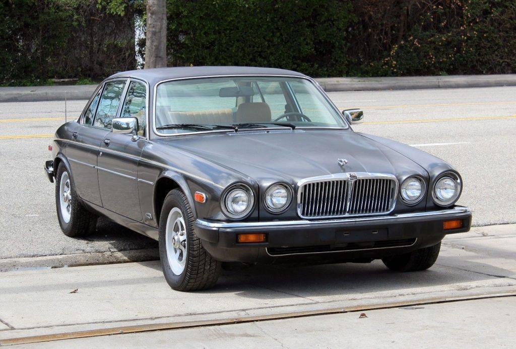 NICE 1986 Jaguar XJ6