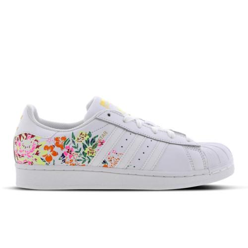 proteger Patria De vez en cuando  adidas Superstar Flower Embroidery - Women Shoes | Compare | Female First  Shopping