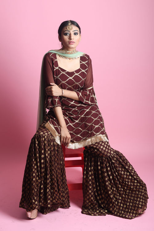 Wine Sharara Set