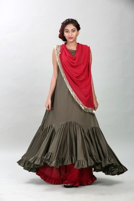 Long tunic with scarf and palazzos
