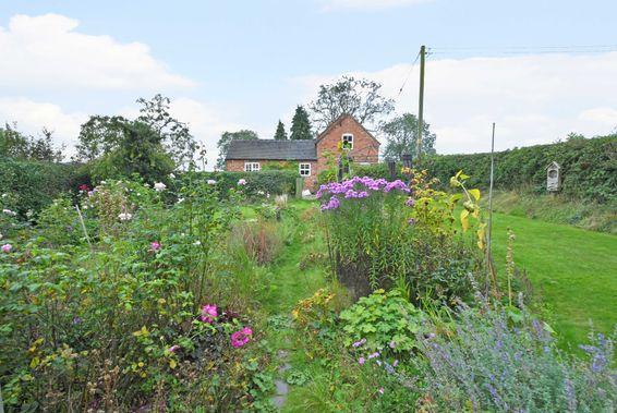Oak Farm, Coton Hayes