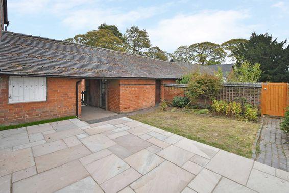Knightley Grange Cottage, Grange Road