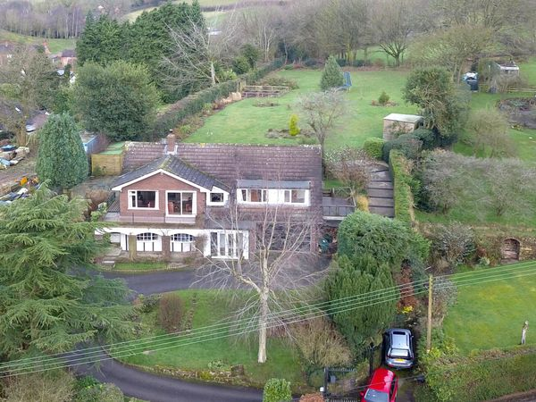property Blackwood House, Fair Oak>