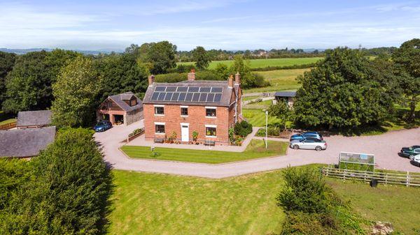 property Birchwoodmoor House, Roston>