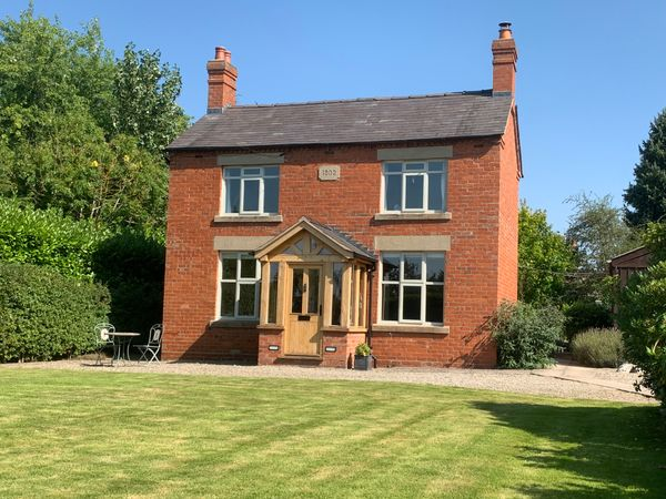 property New Street, Clive, SY4>