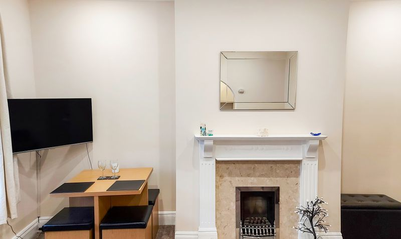 8 Clarence Road Image 3