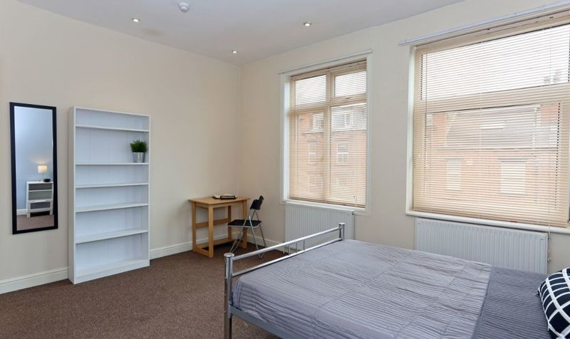 7 Wetherby Grove Image 6
