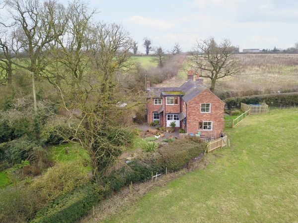 property Drumble Cottage, Chebsey>