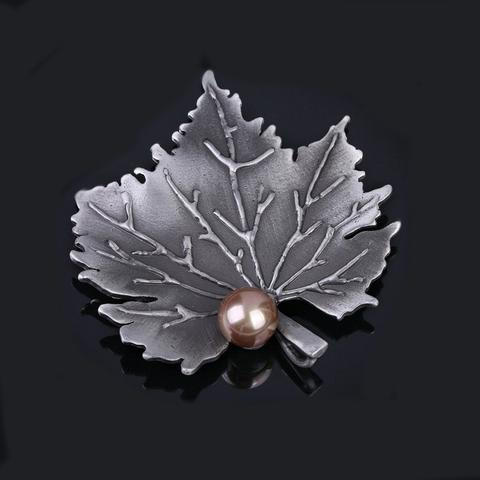 Maple Leaf Vintage Style Metallic Pin
