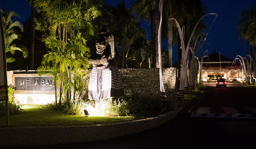 Melia Bali - Entrance At Night