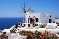 Honeymoon Destinations for Outdoor Enthusiasts:  Greece