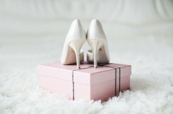 How to Find the Perfect Shoes to Match the Wedding Dress