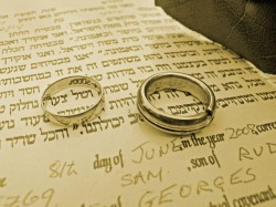 What Does a Jewish Wedding Entail?