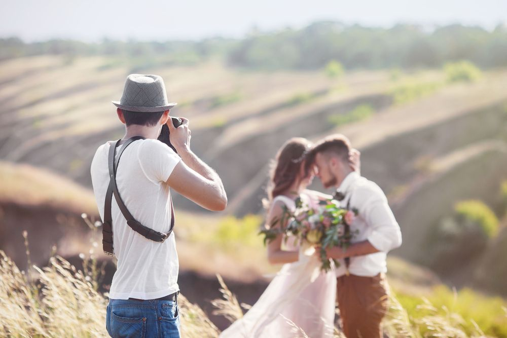Should You Tip the Wedding Photographer?