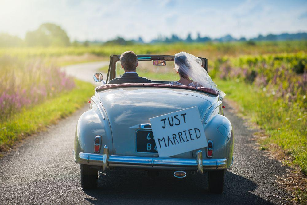 What to Look for When Booking Your Honeymoon Lodging