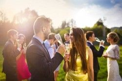 How to Make Time for Your Guests on Your Wedding Day?
