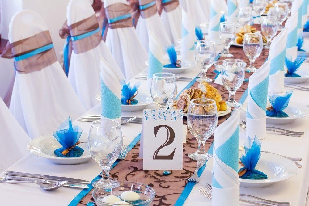 Long table seatings with blue surprises